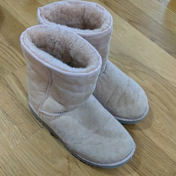 6bf629e0064 UGGs size 3 Youth (women's size 5)